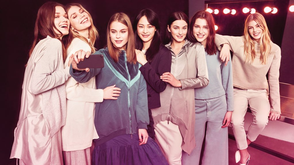 Moteriski sijonai
