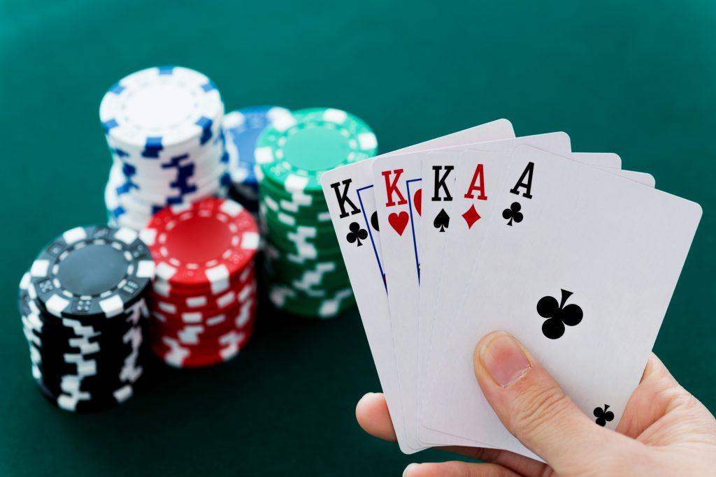 Pokeris – didelio populiarumo sulaukęs žaidimas